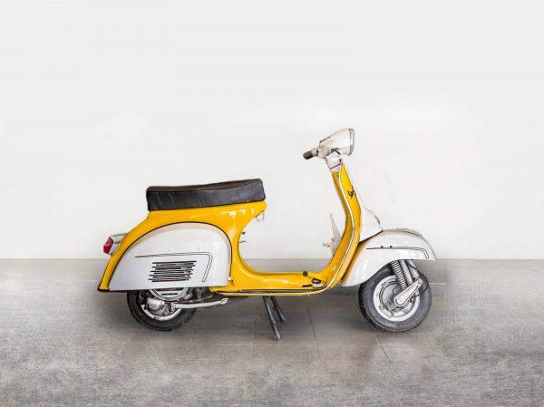 Vespa P150X - Yellow/White Side