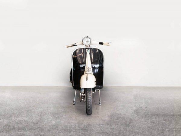 Vespa VBB 150 - Black/White - Front