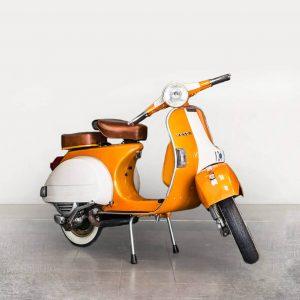 Vespa P150X - Orange/White angle